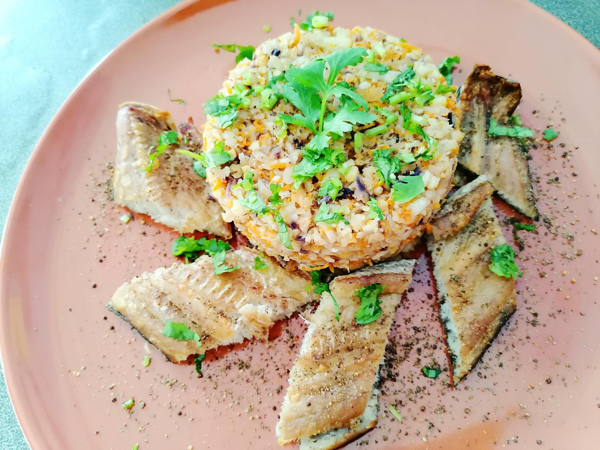 ข้าวดอกกะหล่ำ ปลาช่อนอบ สูตรอาหาร วิธีทำ แม่บ้าน