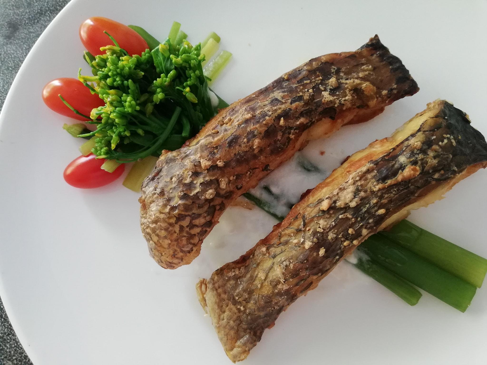 ฟักทองแครอทบด ปลาอบเกลือ สูตรอาหาร วิธีทำ แม่บ้าน