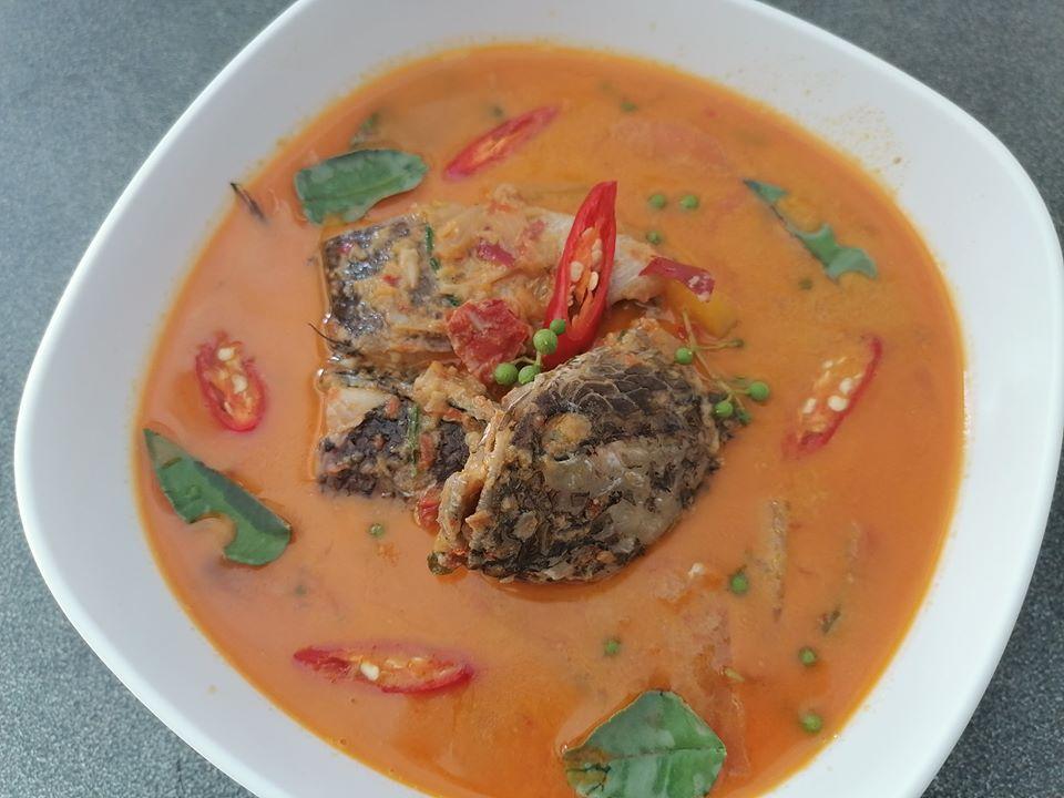 แกงคั่วปลาช่อนใส่บักแขว่น สูตรอาหาร วิธีทำ แม่บ้าน