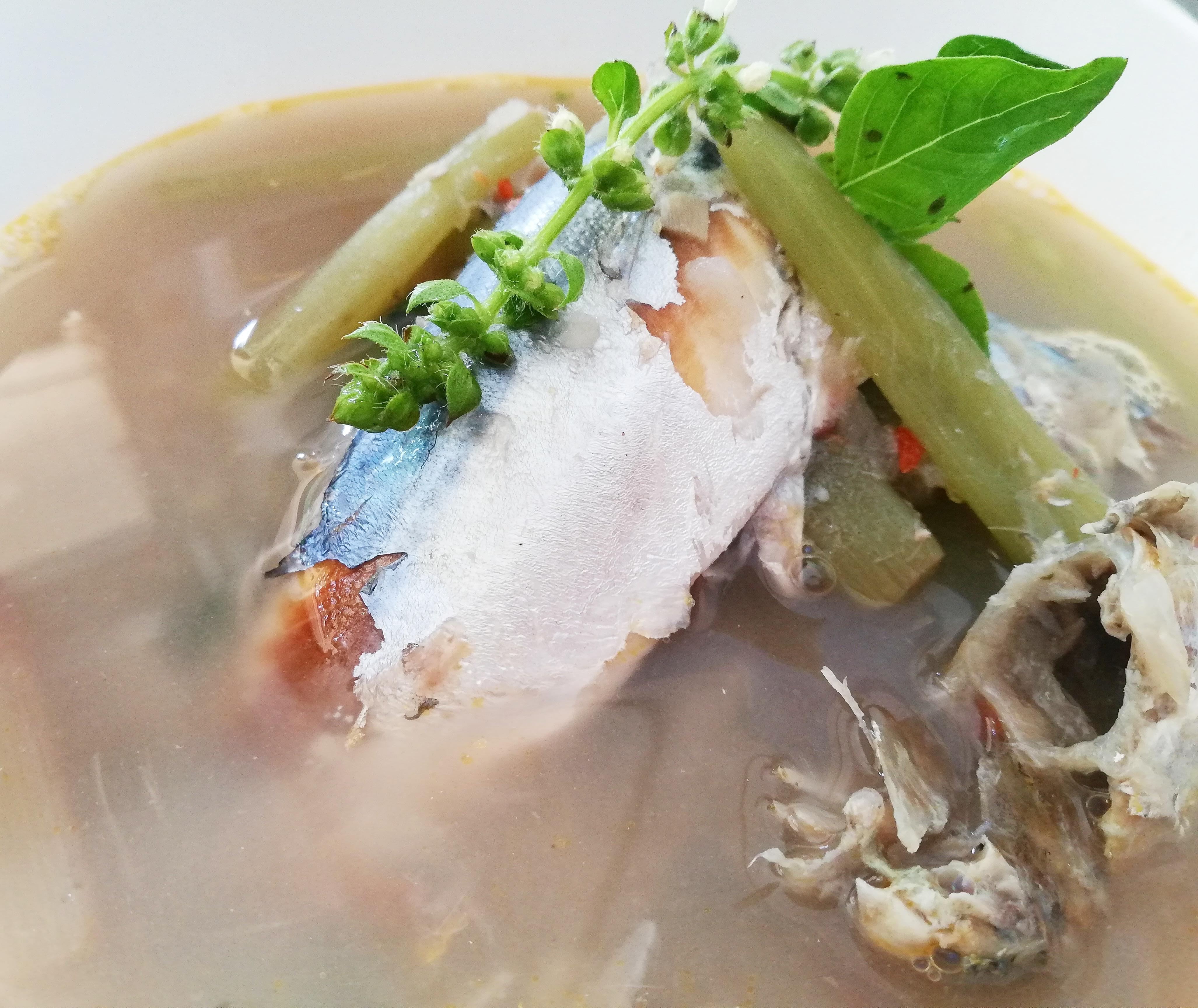 แกงสายบัวปลาทูหอม สูตรอาหาร วิธีทำ แม่บ้าน