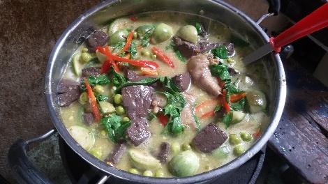 แกงเขียวหวานข้อไก่  สูตรอาหาร วิธีทำ แม่บ้าน