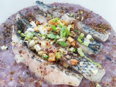 โจ๊กปลาสีม่วง สูตรอาหาร วิธีทำ แม่บ้าน
