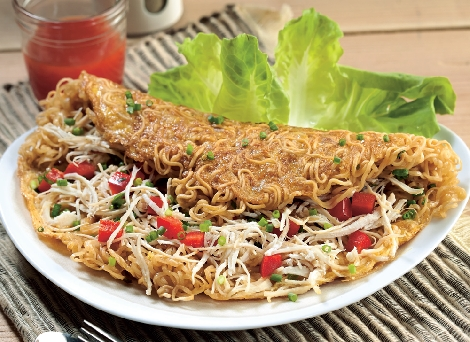 Chicken Noodle Omelet สูตรอาหาร วิธีทำ แม่บ้าน