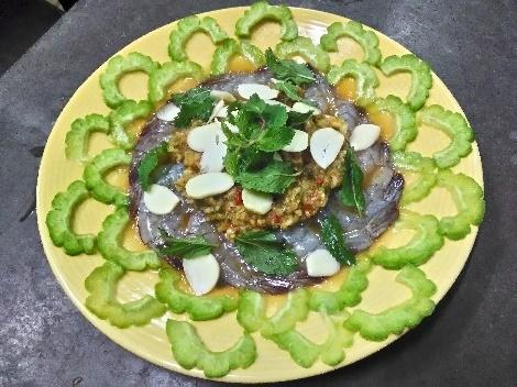 กุ้งแช่น้ำปลาโซดาซ่า สูตรอาหาร วิธีทำ แม่บ้าน