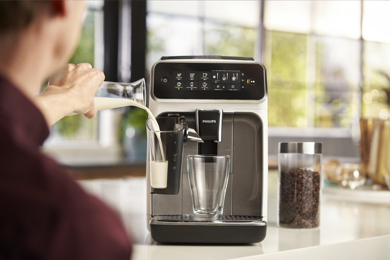 """ฟิลิปส์ เปิดตัวเครื่องชงกาแฟอัตโนมัติ """"Philips 3200 LatteGo"""" เอาใจคอกาแฟด้วยรสชาติระดับพรีเมี่ยม ที่ง่ายเพียงปลายนิ้ว"""