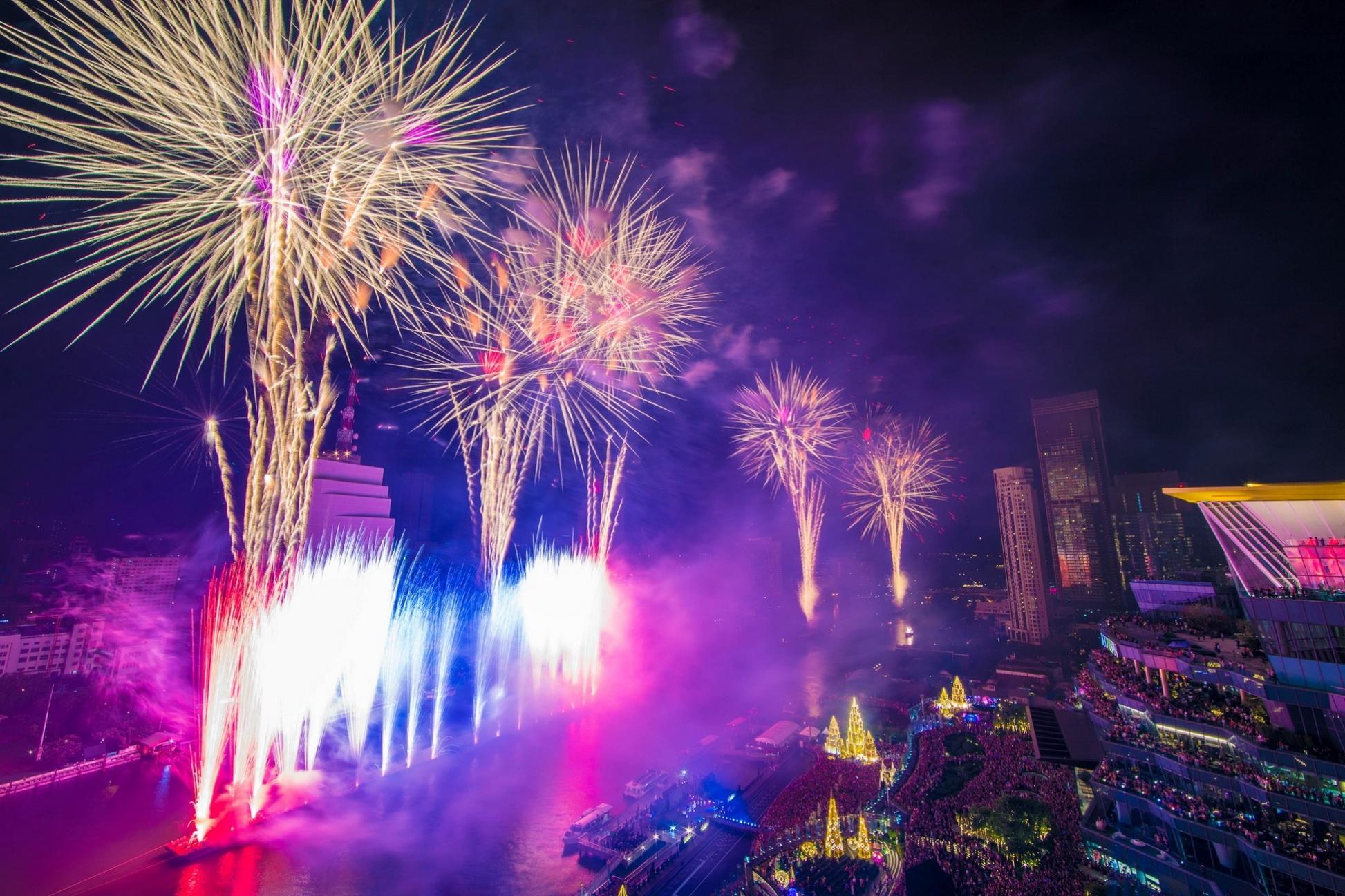 """เต็มอิ่มความสุขสนุกสนาน! กองทัพดาราศิลปินชื่อดังร่วมฉลองเคาท์ดาวน์ปีใหม่ ในอภิมหาปรากฏการณ์ """"Amazing Thailand Countdown 2020"""" ณ ไอคอนสยาม"""